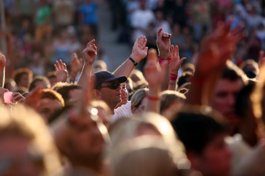 Fans Still Disheartened Over Charles Oakley and Jim Dolan Fiasco