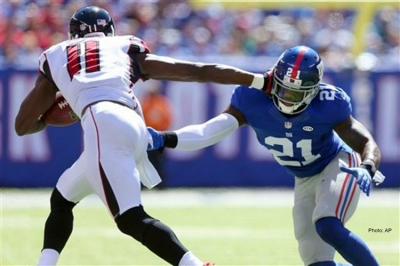 Atlanta Falcons wide receiver, Julio Jones, makes pivotal game-turning catch against the NY Giants